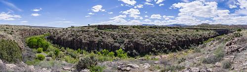 arizona coconinonationalforest fr131 fr9505 forestservice pentaxk1 redrockrangerdistrict sycamorecanyonroad usfs verderiver desert forest outdoors panshot clarkdale unitedstates