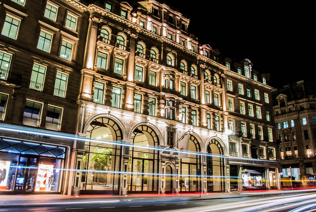 Apple Regent Street by Night