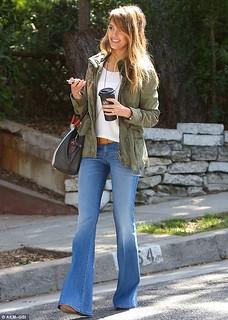 Jessica Alba Flared Jeans Celebrity Style Womens Fashion