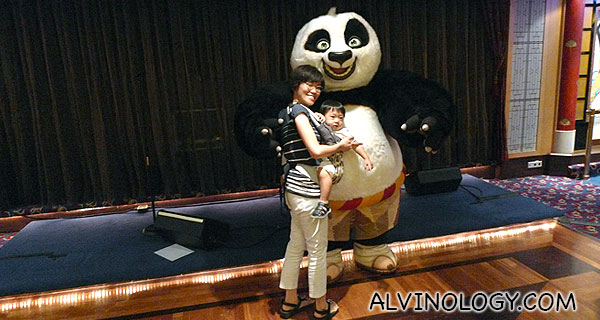 The first thing we did after lunch was to get a photo with Po from Kungfu Panda :)