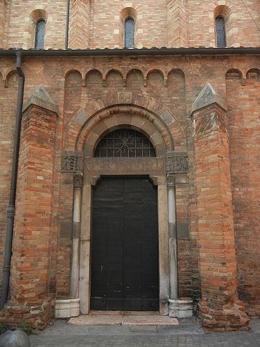 DSCN4980 _ Basilica Santuario Santo Stefano, Bologna