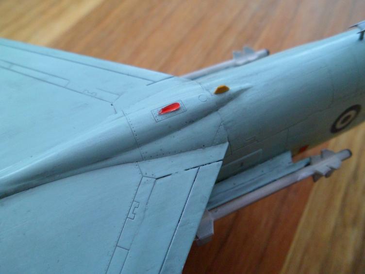Un géant vert redoutable [Vought F-8 P Crusader Academy 1/72] 9556149951_aa3170ec0e_o