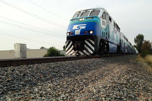 railroad train washington kent 900 phonephoto lightroom triking sounder passengertrain greenrivertrail rstaot
