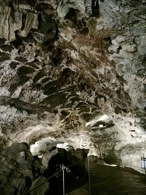 lumia 925 - lava caves on Jeju Island-021