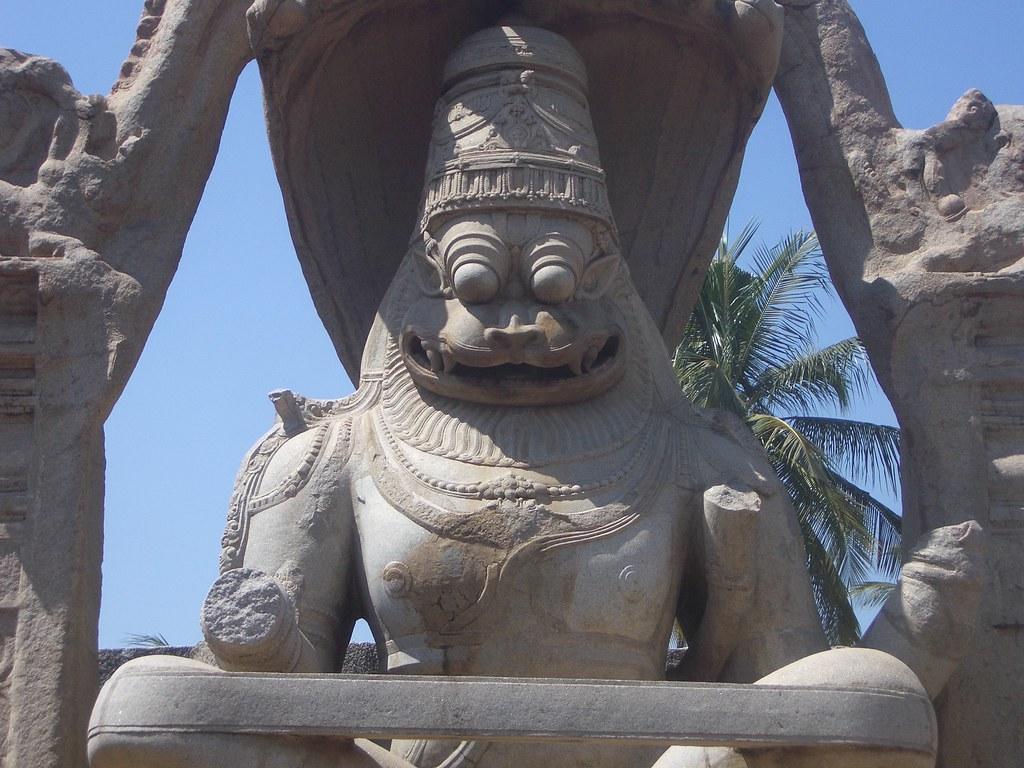 1068 Hampi - Lakshmi Narasimha Temple 2006-02-20 12-18-31