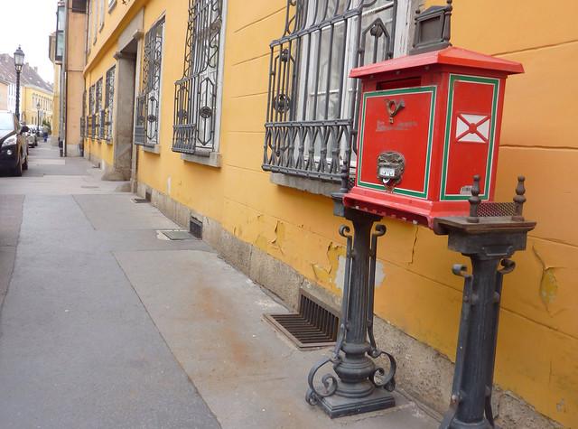 Uri utcai posta