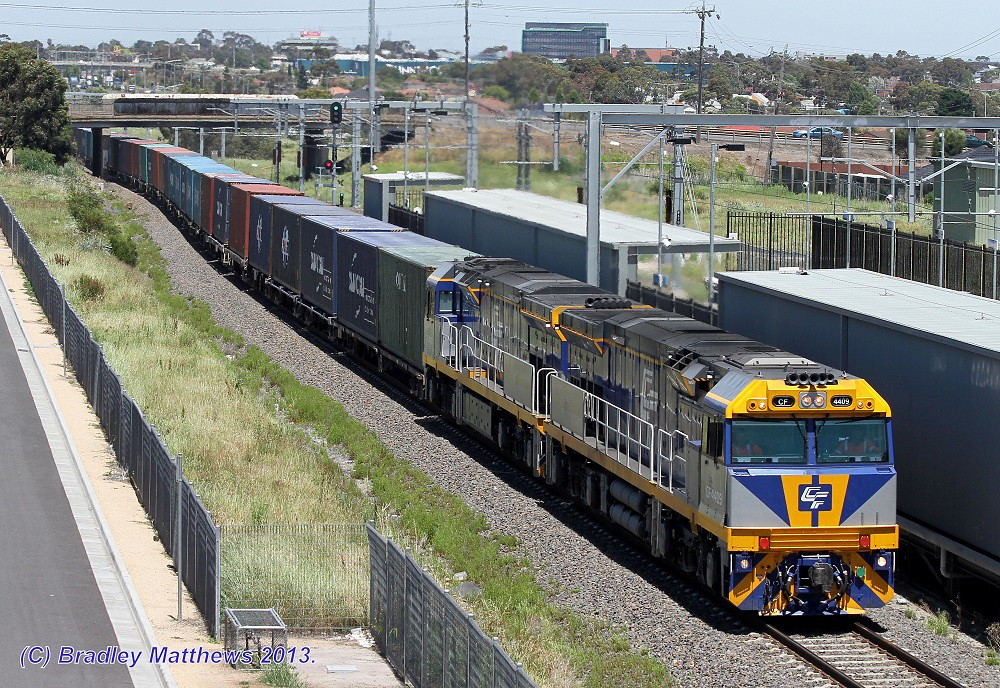 CF4409-CF4410 with QUBE 3MC1 freight to Harefield/Junee at Coolaroo (19/11/2013) by Bradley Matthews