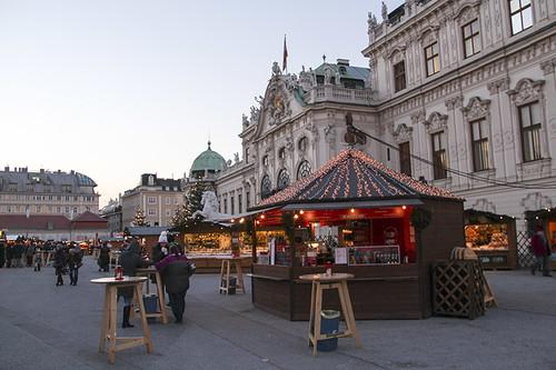 Belvedere Palace market