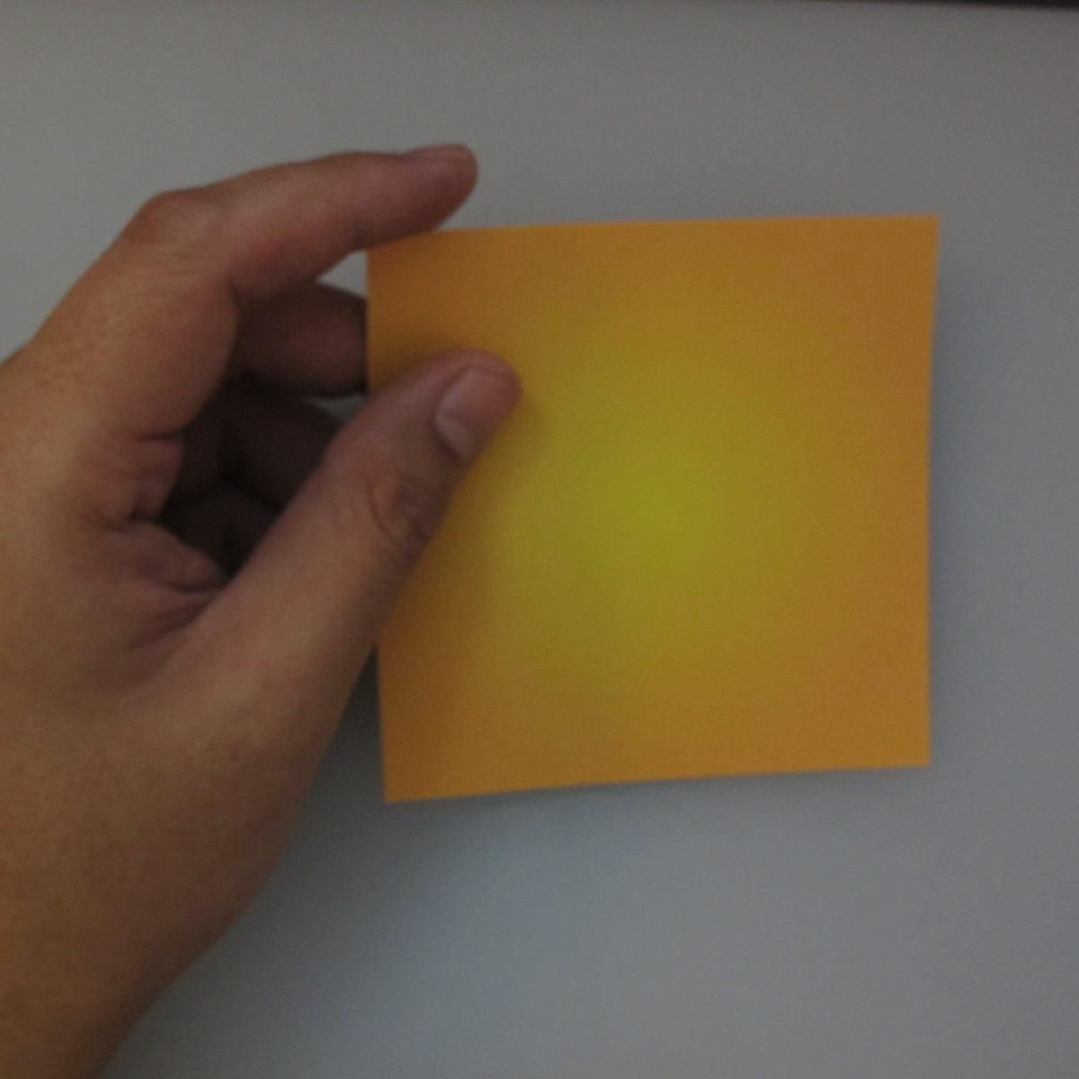 วิธีพับกระดาษเป็นดอกทิวลิป 001