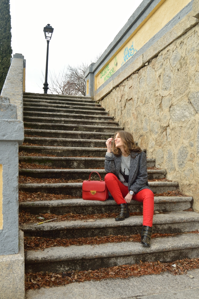 lara-vazquez-madlula-blog-fashion-style-biker-trousers-dejate-morder