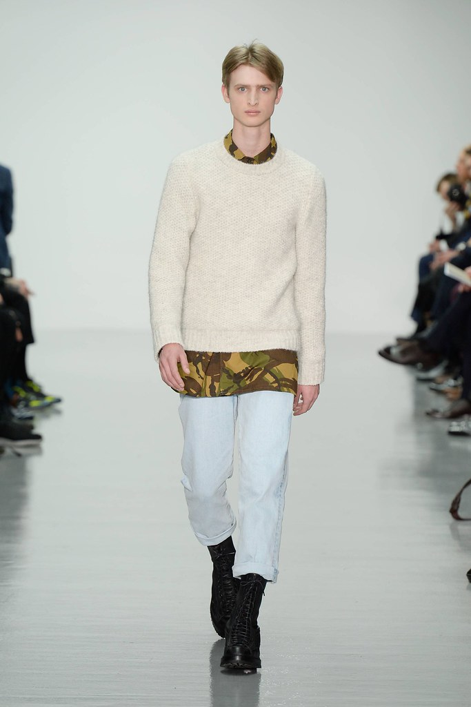 FW14 London Lou Dalton007_Dylan River(VOGUE)