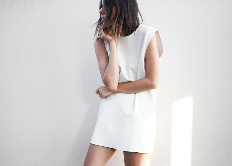 modern legacy fashion blogger Australia Eska Alikai white perforated leather shift dress editorial (3 of 4)