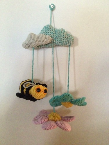 Amigurumi Mobile bee
