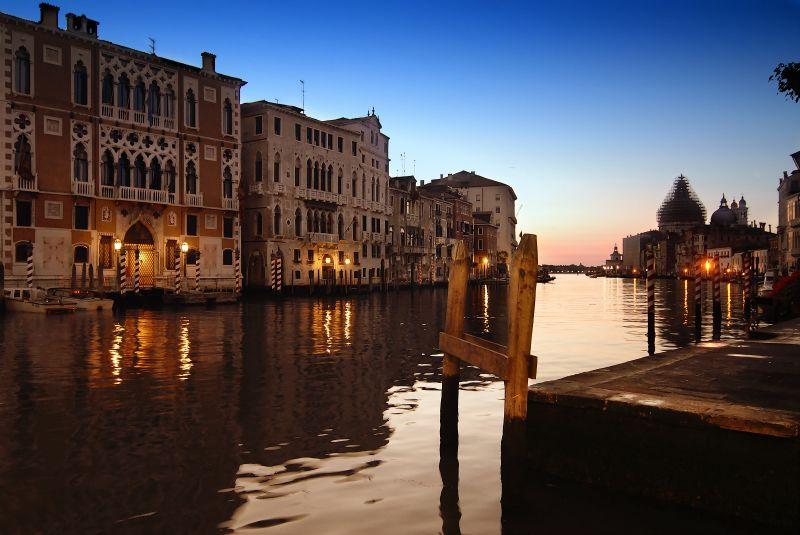 11. Anochecer en Venecia. Autor, José María Cuéllar