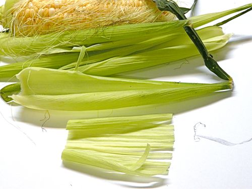 Make Holiday Trees Using Fresh Corn Husks