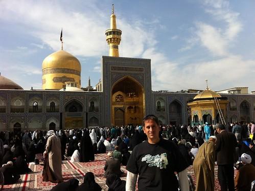 En el Santuario de Imán Reza (Mashhad, Irán)