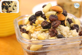 Power Oatmeal with Dried Fruit and Nuts