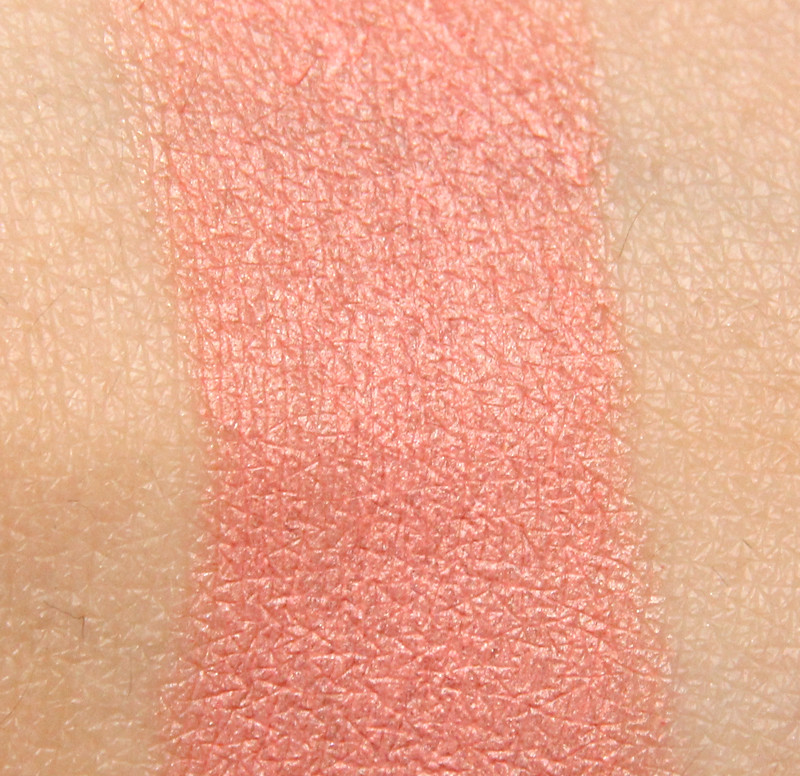 IsaDora 82 coral island twist-up blush & go swatch(1)