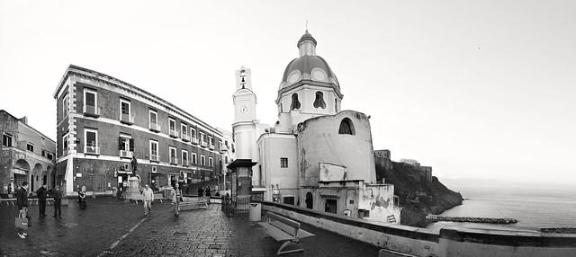 PROCIDA - Piazza dei Martiri