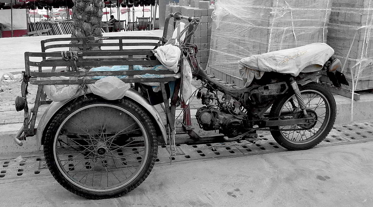 old-motorcycle-pattaya