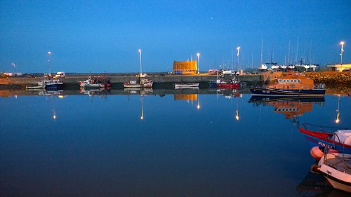 Howth Harbour by despod