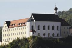 Kirchen, Kapellen und Klöster