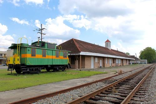 lousiana bogalusa railroad depot station train caboose track