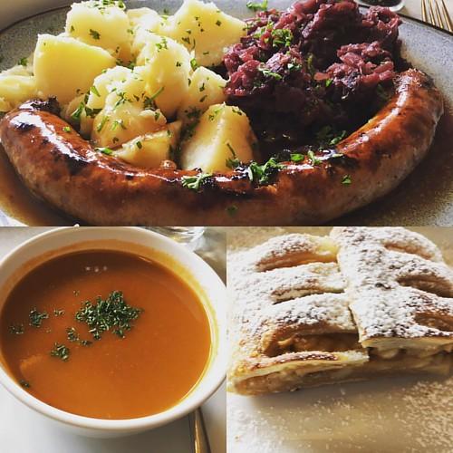 #dagschotel #braadworst met #rodekool en pommesvapeur met #tomatensoep en #appfelstrudel #devondel #haaltert