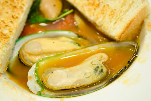 Mussels Soup :: Grey Hound @Central Chidlom