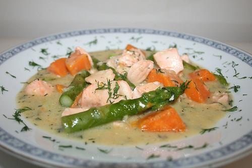 51 - Lachs-Spargel-Topf mit Süßkartoffeln / Salmon asparagus stew with yams - CloseUp