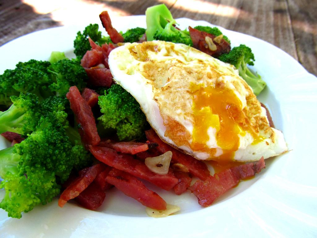 salame brocolis e ovo
