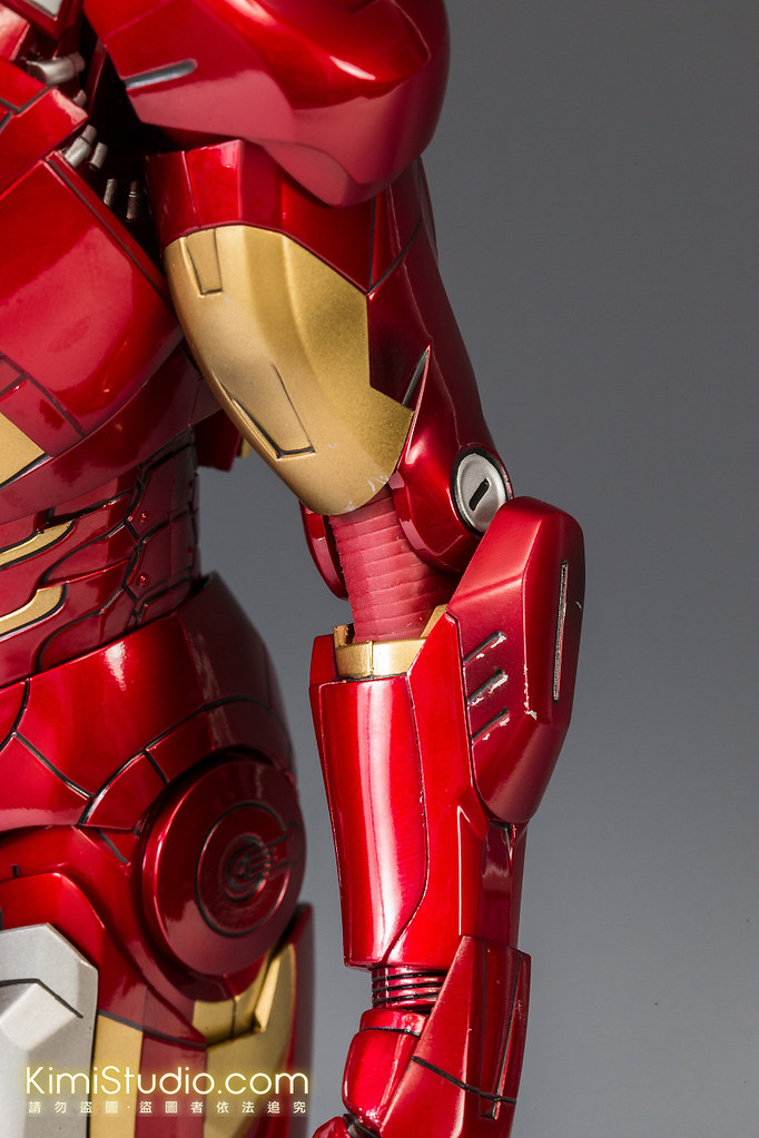 2013.06.11 Hot Toys Iron Man Mark VII-019