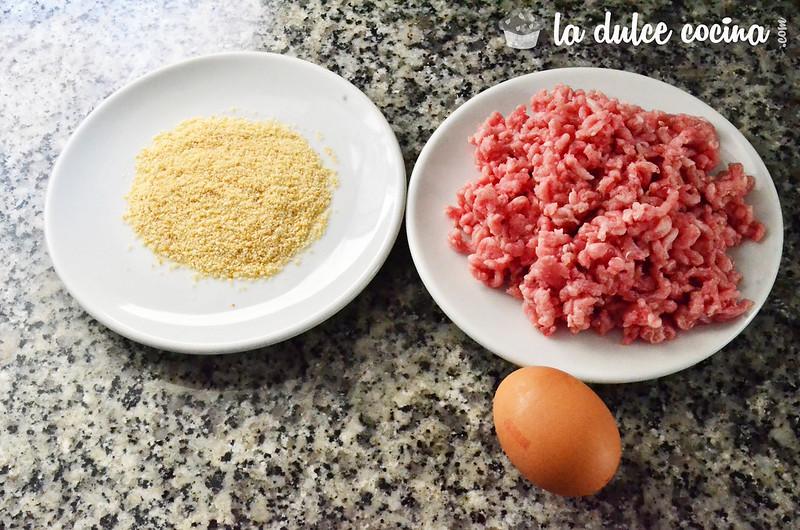 Reunimos los ingredientes necesarios para la hamburguesa casera