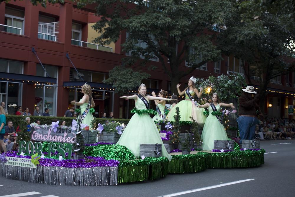 Seafair Torchlight Parade9