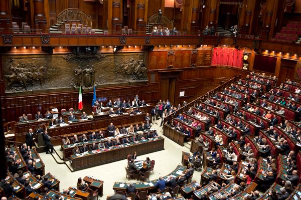 Apertura di Renzi e PD al M5S. Di Maio: riceverà una risposta