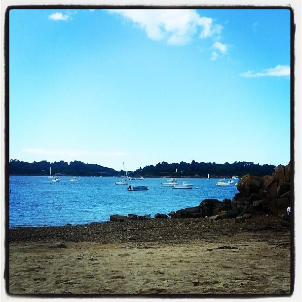 Petite pause à la plage de #loguivydelamer #paimpol #vacances #bretagne #bzh #france #blog #blogueuse #ourlittlefamily