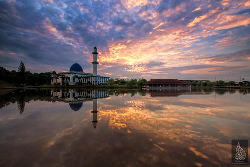 colors clouds sunrise colours soe bangi bursting singleexposure sifoocom masjiduniten nurismailphotography nurismailmohammed nurismail