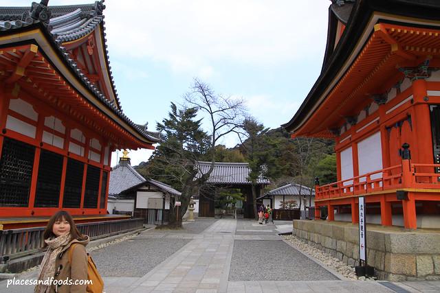 Kiyomizudera (清水寺)Temple Entrance