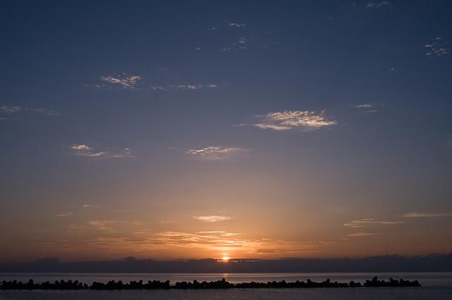 八丈島の朝日