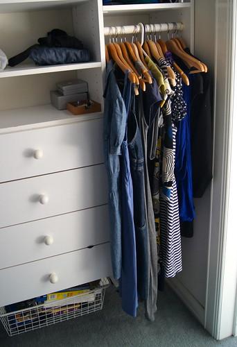 wardrobe declutter DSC03169