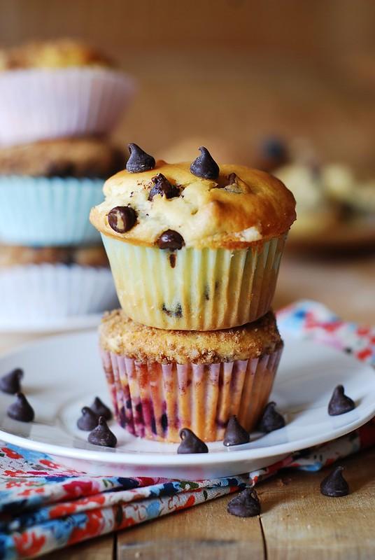 Greek yogurt chocolate chip muffins, breakfast, dessert, healthy muffins