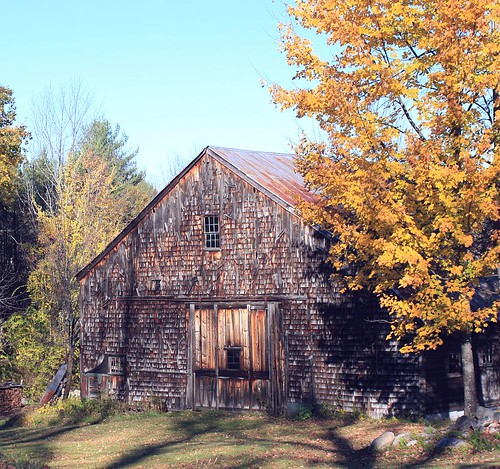 2013_1017Local-Barn0002 by maineman152 (Lou)