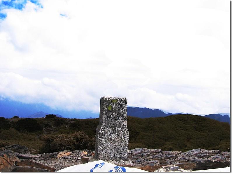 北合歡山二等三角點(#1451 Elev.3422 m) 1