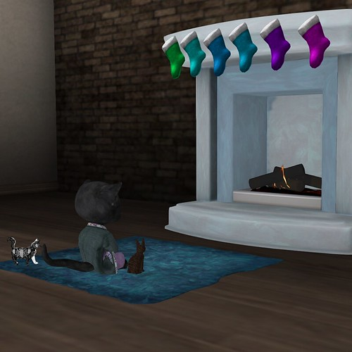 Holiday Fireplace - Dinky with fireplace