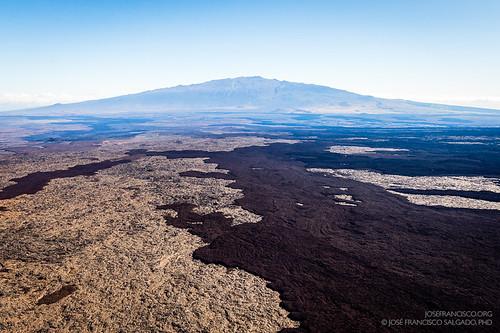 usa volcano hawaii us nikon unitedstatesofamerica nikkor airborne maunakea maunaloa volcán d4 bigislandofhawaii lavaflow 2470mmf28g helipcoterride