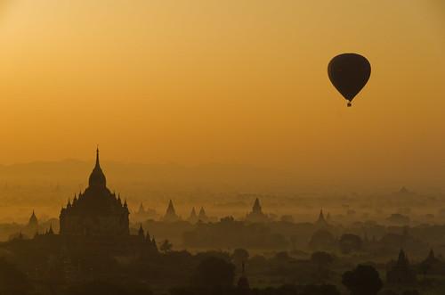 Balloons over Bagan 14