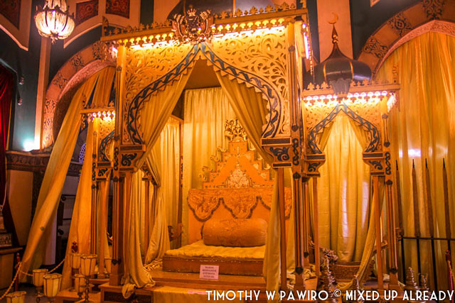 Indonesia - Medan - Maimoon Palace - The yellow throne