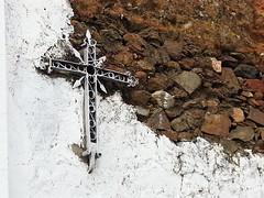 Detalle de cruz en El Buitrón