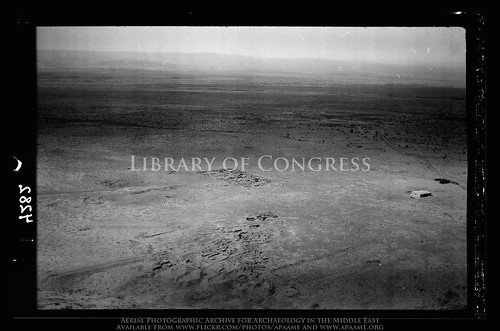 archaeology ancienthistory middleeast aerial libraryofcongress airphoto oblique aerialphotography matsoncollection nitratenegative aerialarchaeology geocodedbasedonsite jadis2013001 megaj2744