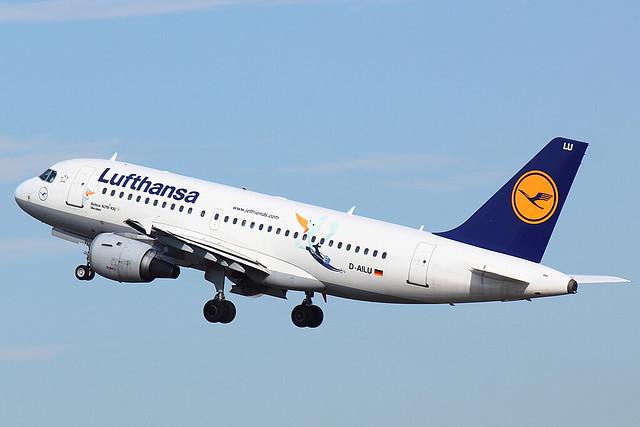 Lufthansa - A319 - D-AILU (3)